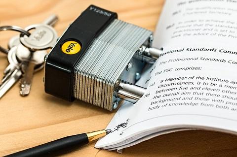 レンタルサーバーの解約手続きや期限、違約金・返金対応の違いを比較